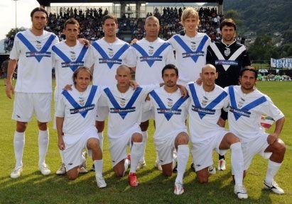 Le maglie del Brescia 2009-2010 con la Mass nuovo sponsor ...