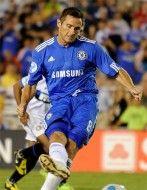 Frank Lampard indossa la nuova maglia del Chelsea