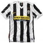 La prima maglia della Juventus 2009-2010