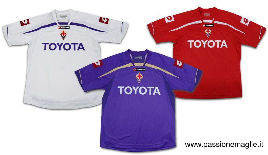 Le tre maglie ufficiali della Fiorentina 2009-2010