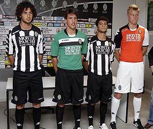 Le tre nuove divise del Siena 2009-2010