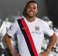 Robinho con la terza maglia del City 2009-2010