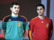 Casillas con la maglia per i portieri
