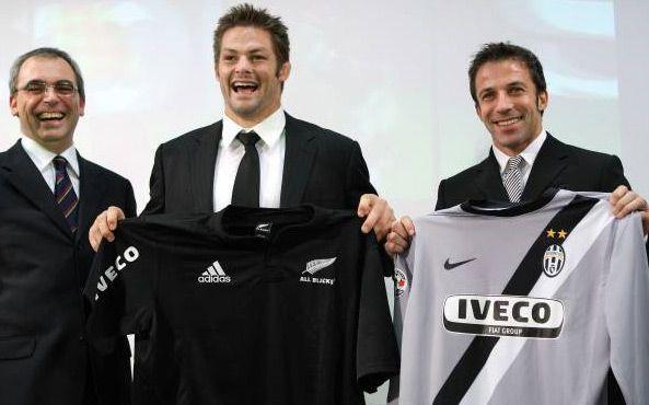 McCaw e Del Piero durante la presentazione
