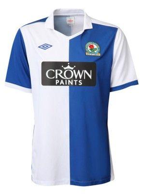 La nuova prima divisa dei Blackburn Rovers per il 2010-2011