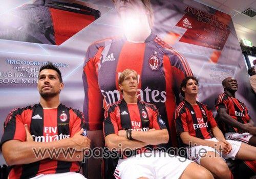 Borriello, Ambrosini, Pato e Seedorf a Malpensa