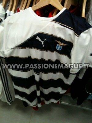 Terza maglia Lazio 2010-11