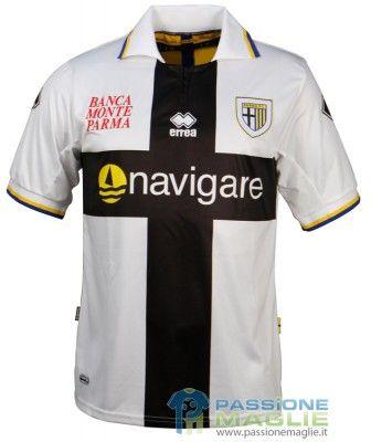 Maglia Parma 2010-2011 crociata