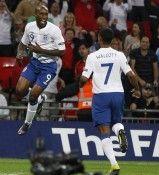 Defoe esulta per l'Inghilterra
