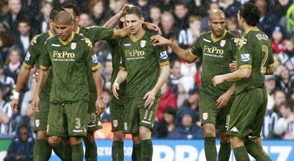 Maglia verde-oro del Fulham 2010-2011