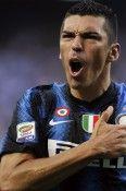 Lucio con la maglia dell'Inter