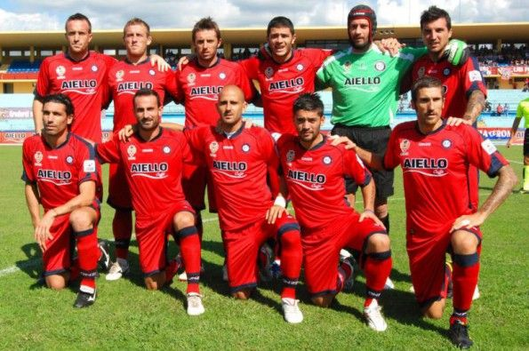 Divisa Cosenza 2010-2011 rossoblù