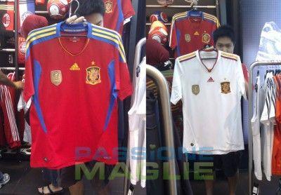 Nuova maglia Spagna 2010-2012
