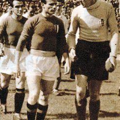 Italia-Inghilterra 1948, Mazzola e Swift entrano in campo