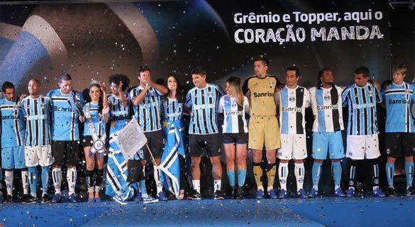 Presentazione divise Gremio 2011