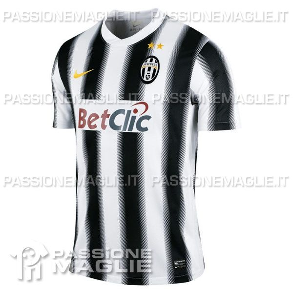 Juventus home 2011-2012