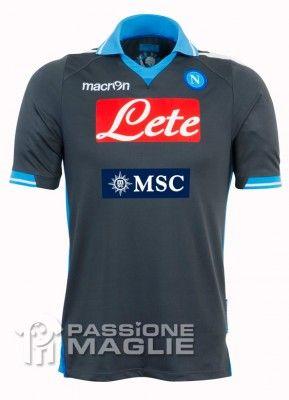 Seconda maglia Napoli 2011-2012 Macron
