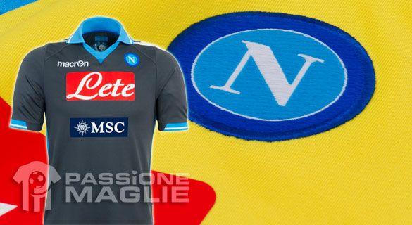 Seconda e terza maglia del Napoli 2011-2012 firmate Macron