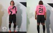 Pirlo con la maglia rosa della Juventus 2011-2012
