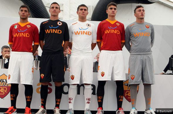 Le nuove maglie della Roma 2011-2012 firmate Kappa