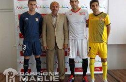 Le maglie del Siviglia 2011-2012 Uefa