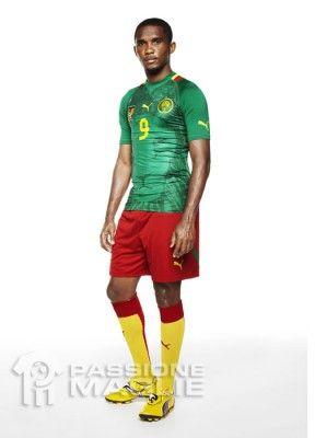 Eto'o veste la maglia del Camerun 2012 Puma
