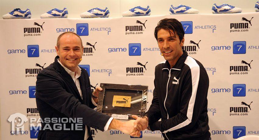 Buffon firma un contratto a vita con Puma