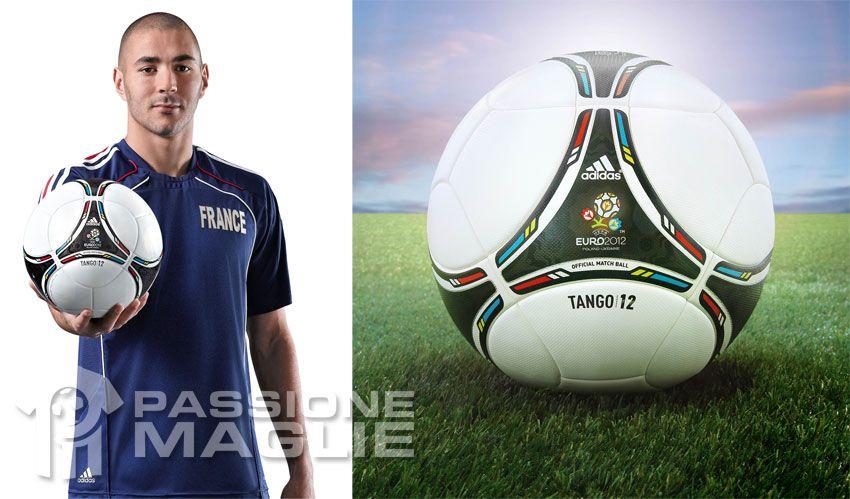 Il pallone Tango 12 per gli Europei 2012