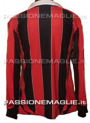 La possibile maglia del Milan 2012-2013 retro