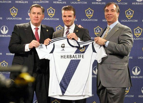 Beckham presenta la maglia 2012 dei Los Angeles Galaxy