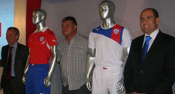 Presentazione divise Cile 2012