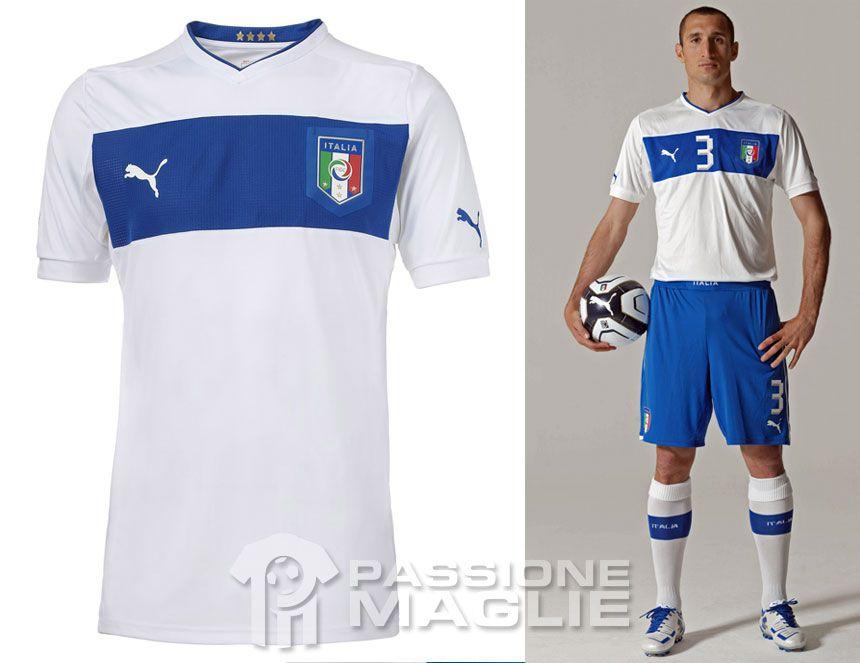 Italia seconda maglia 2012-2013 Puma