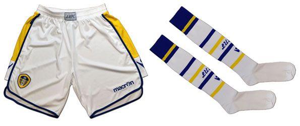 Leeds pantaloncini e calzettoni 2012-2013 Macron