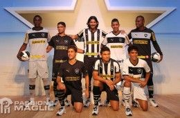 Botafogo maglie 2012 firmate Puma