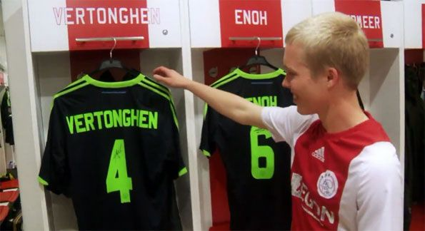 Corri a prendere la maglia adidas dell'Ajax