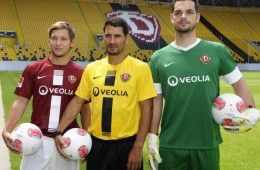 Dynamo Dresda kit 2012-2013 Nike