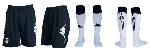 Pantaloncini e calzettoni home del Fulham 2012-2013