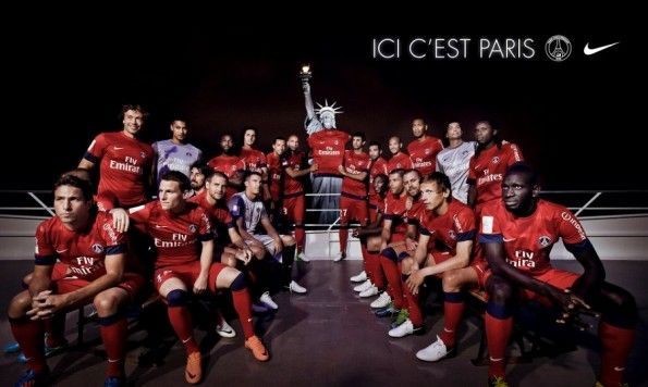 La maglia da trasferta del Paris Saint-Germain 2012-2013 presentata a New York
