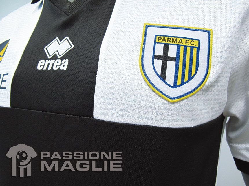 Dettaglio croce maglia Parma 2012-2013