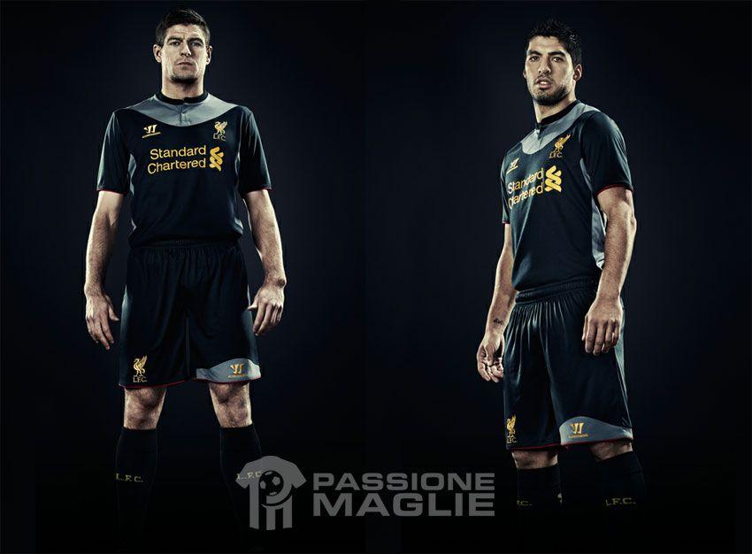Suarez e Gerrard maglia trasferta Liverpool 2012-2013