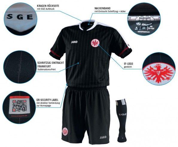 La terza divisa dell'Eintracht 2012-2013