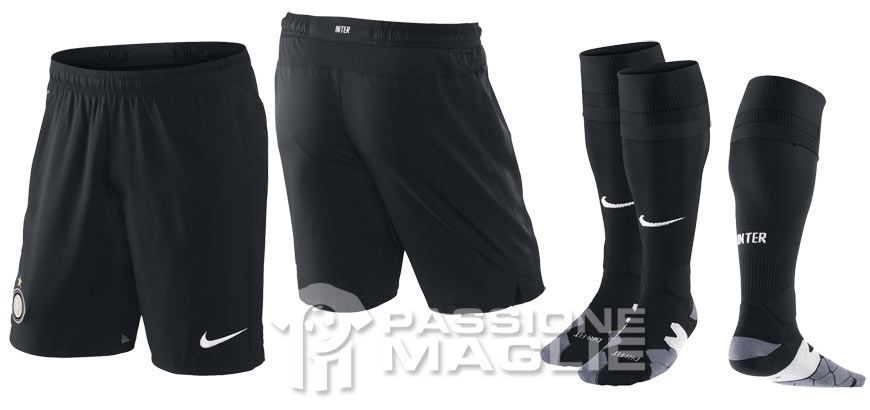 Pantaloncini e calzettoni Inter home 2012-2013 Nike