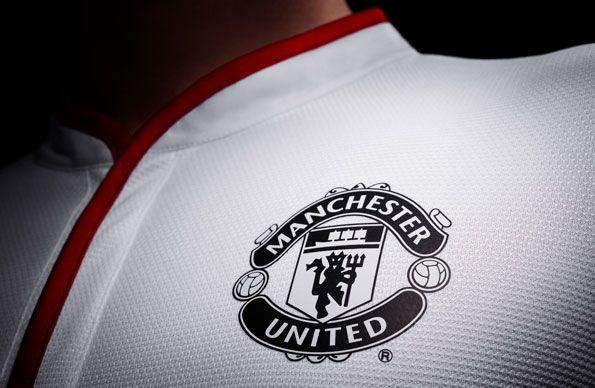 Stemma Manchester United in nero