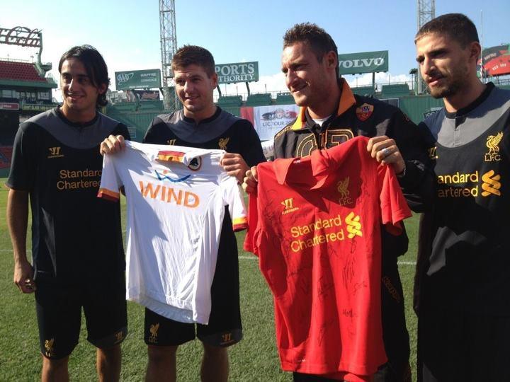 Totti Gerrard scambio maglie Roma-Liverpool