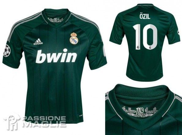 Real Madrid terza maglia 2012-2013 verde