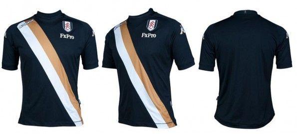 La terza maglia del Fulham 2012-2013 prodotta dalla Kappa