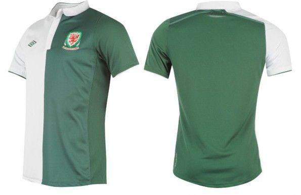 La maglia away del Galles 2012-2013, prodotta dalla Umbro