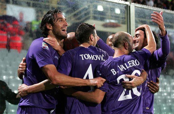 Fiorentina calciatori esultano