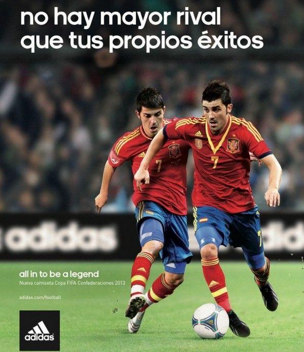 La campagna di presentazione della maglia 2013 della Spagna