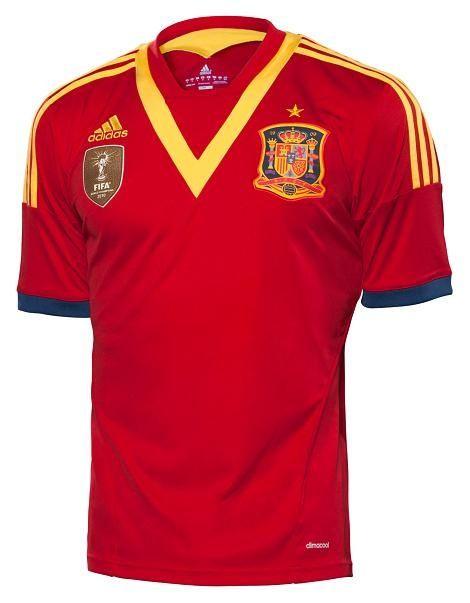 La maglia 2013 della Spagna